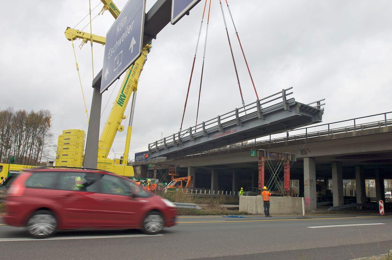 November 2021 – Aufbau der Behelfsbrücke A44