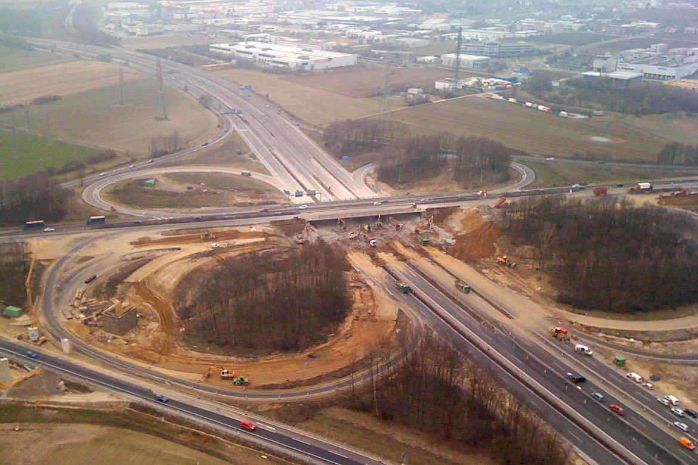 Februar 2011 – Abbruch der ersten Brückenhälfte Blickrichtung NL