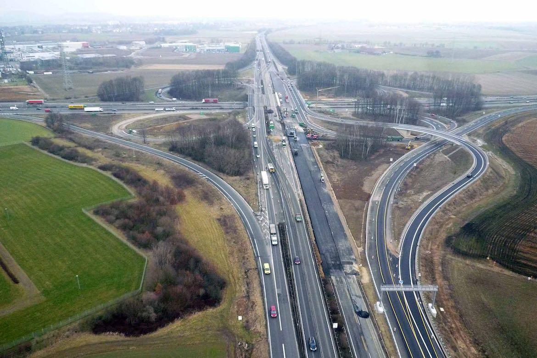 März 2012 – Zentralbauwerk Blickrichtung Düsseldorf